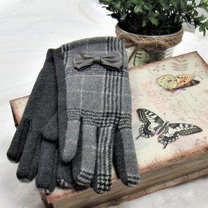 Grey Kennedy Plaid Winter Gloves